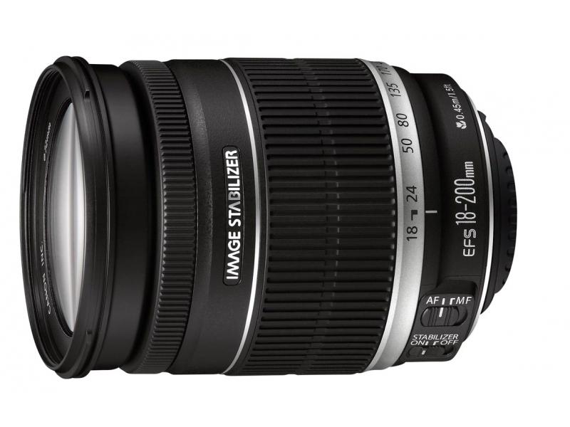 Canon EF-S 18-200mm f/3,5-5,6 IS (pri kúpe s fotoaparátom -50€ SPÄŤ)