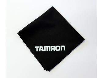 Tamron utierka na objektívy s logom